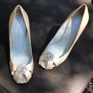 EUC Peep-toe Grazia heels